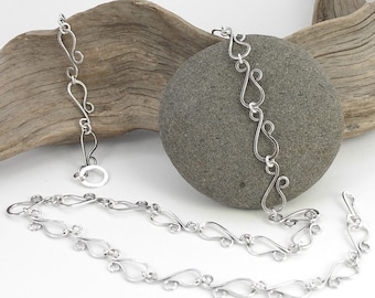 Curvy Chain Hammered Necklace - 30 inches (76.2cm) Eyelet