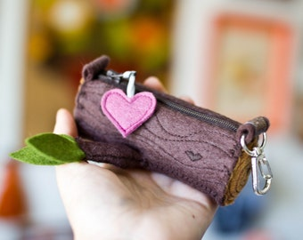 Tiny Log Zipper Pouch