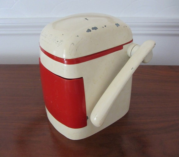 Rival Juice O Mat Off White And Red Manual Juicer By