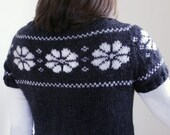 Womens Sweater with fairisle flowers