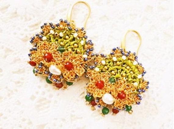Wedding Jewelry, Bridal Gold Earrings, Gypsy Wedding  Earrings, Unique Gift for Bridesmaid, Woodland Earrings Emerald ,Green