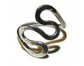 Loopy Design Sterling Silver Ring