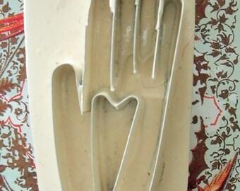 Heart in Hand / Primitive Folk Art Pin / Metal