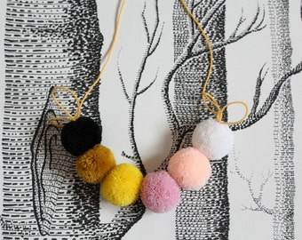 Pompom Micro Garland - SWEETS II. (black,ochre,yellow,pinks and white)