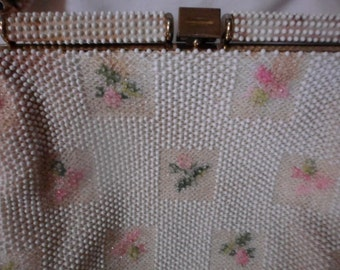 Vintage 40's beaded evening purse white with pink flower design. brass clasp