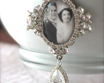 Memory Wedding Bouquet Photo Charm, Unique Bridal Bouquet Charm, Swarovski Crystal Memory Photo Charm