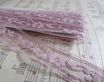 Vintage Mauve Lace- 3 Yards
