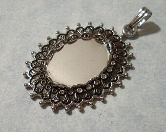 Rhodium Plated Victorian Pendant with 18 x 13mm Cabochon Setting