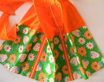 vintage strawberry orange apron