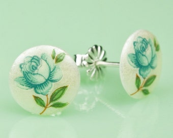 Vintage Glass Flower Post Earrings