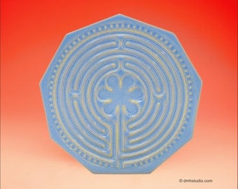 Chartres Finger Labyrinth Petite in Delft Blue and Gold