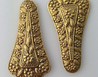 Antiqued Gold Tone Victorian Ornaments Stampings Findings mtl154A