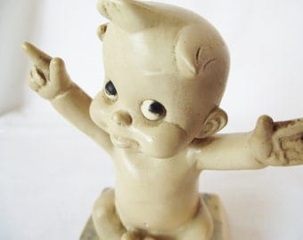 """Vintage """"I Love You This Much"""" Rare Baby - 1969 - A T - Berrie Sillisculpts Figurine"""