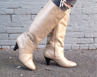 size 10, Vintage 80s Leather Boots - Light Taupe Brown + Stacked Heels + Pointy Toes