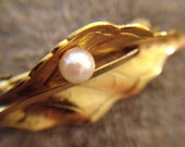 Wells Signed 14 Karat Gold Filled Leaf Pin with Real Pearl
