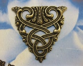 Brass Ox Plated  Floral Celtic Ornamental Pendant Stamping 577BOX x1