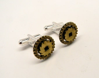 Steampunk jewelry. Steampunk gear cuff links.