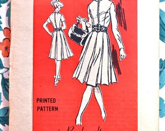 Prominent Designer M110 - Rembrandt - Vintage 1970s Dress Pattern with Pleated Skirt