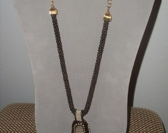 Vintage Style Necklace and Earrings    VO78
