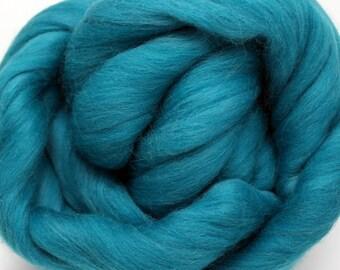 4 oz. Merino Wool Top Tarn - SHIPS FREE