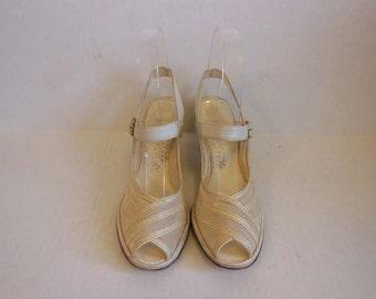 40s shoes / White Mesh Vintage 1940's Peep Toe Wedge Shoes