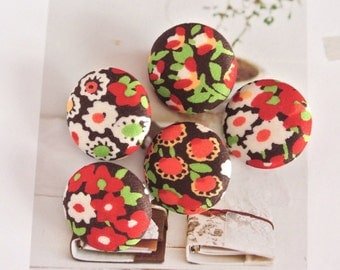 Handmade Small Country Rustic Brown Red White Floral Flower Fabric Covered Buttons, Floral Fridge Magnets, Flat Backs, CHOOSE SIZE 5's