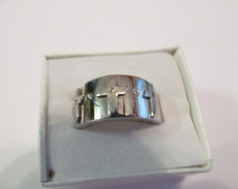 Reserved for IDIEEH12              Silver 3 cross ring