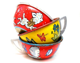 50s Tin Toy Tea Cups & Saucers, Set of 6 with lamb, kitty and puppy.