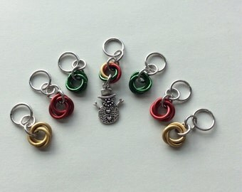 Mr. Snowman Stitch Marker Set - Set of 7 stitch markers - Moebius Chainmaille Style