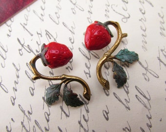 Strawberry Earrings Art Nouveau Pierced earrings Victorian Lightweight earrings vintage post earrings