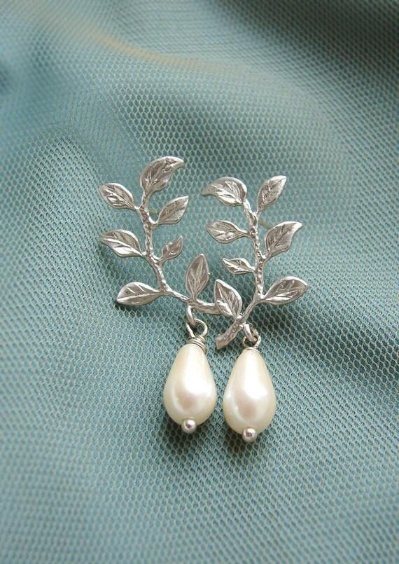 Silver sprig drop earrings, Bridesmaid jewelry, silver laurel branch leaf pearl dangle, bridal earrings