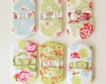 Fingertip Microwave Oven Mitt - Tanya Whelan Floral Fabrics