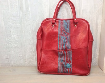 Red zipper tote with turquoise wood grain