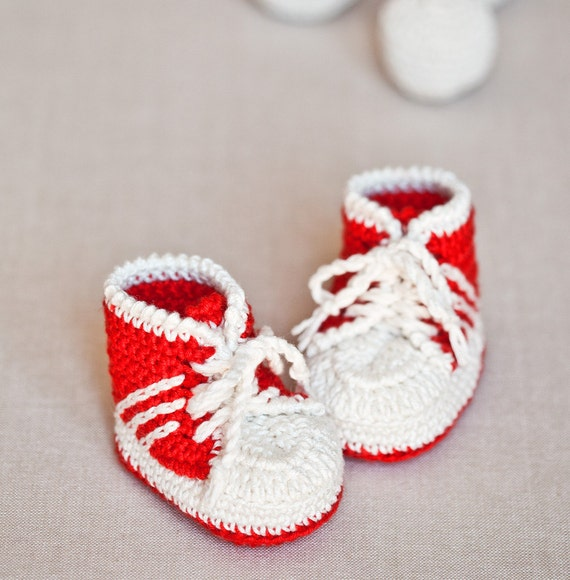 Crochet Pattern Baby Tennis Shoes : Crochet PATTERN Baby Sneakers tennis shoes by monpetitviolon