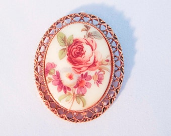 Victorian Style Cameo With Floral Design Antique