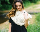 Winter White Extra Chunky Cowl // Warm Soft White Infinity Scarf // Collared White Chunky Circle Cowl