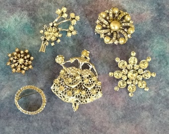 Destash Vintage Rhinestone Brooches lot for Creating Treasures Bridal Bouquet Excellent Condition Jewelry Lot of 6