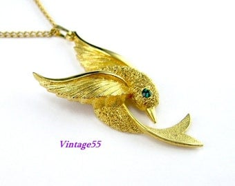 Necklace Sarah Coventry Pendant Golden Dove