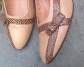 1960's Vintage Snakeskin Leather Little Bow Heels Shoes  8