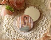 Pocket mirror - Mademoiselle Snow