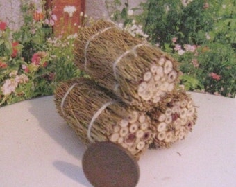 Dollhouse hay bale, straw bale, rustic straw, ,dollhouse miniature, twelfth scale