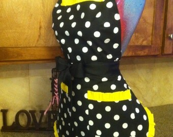 ON SALE, RETRO, Polka Dot Apron, Pin up apron, Pick Your Color Trim, Scotch Guarded