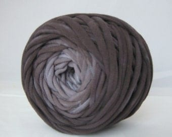 T Shirt Yarn Hand Dyed- Black Ombre 30 Yard THICK 3-4 wpi