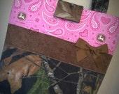 Mossy Oak Camo John Deere Pink Paisley Purse Tote