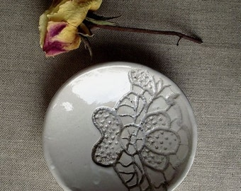 Laced White Handmade Little Plate Vintage - Stoneware (grès) Plate - Wedding gift