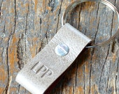 Monogrammed Tan and Red Leather Keychain - Short & Wide Style
