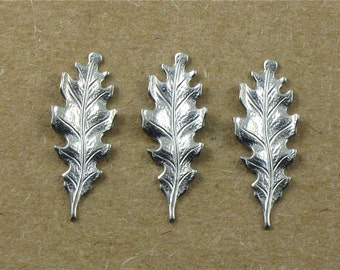 12 OAK LEAF matte silver jewelry embellishments . 27mm x 11mm (ST3d)