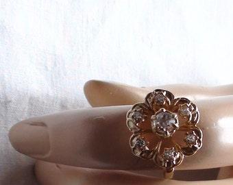 Vintage Cluster Ring 18k  HGE  Exquisite Flower  Cocktail Ring Fine Crystals SIZE 6