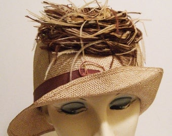 Vintage 1920s Flapper Straw Cloche with Feathers