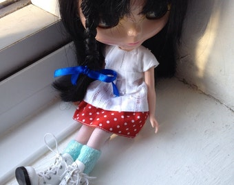 Red and white spot skirt for Blythe